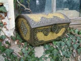 Vintage French style Shabby Chic Decorative Tin Casket