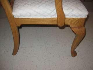 Ethan Allen Canterbury Oak Queen Anne Arm Chair 28 6321 Finish 278