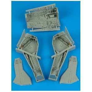 F 105 Thunderchief Wheel Bay (For TSM) 1 32 Aires: Toys & Games