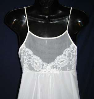 Chiffon Long Nightgown & Robe ~ Peignoir Set in a Size Petite ~ Small