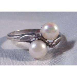 Double Pearl White Gold Ring with Two Small Diamonds 14 ct