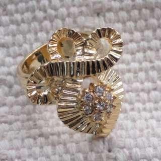New Banana Republic Ring #6 Gift Woments Jewelry Fashion Gold Tone