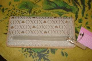 NWT XOXO CheckBook Wallet CR Card Holder Style # 77119