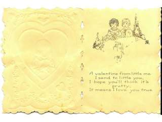 This is an Vintage Valentine Card c1920s, with a white paper lace pop