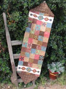 Hatched & Patched Funky Flowers table runner pattern