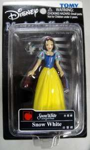 TOMY DISNEY MAGICAL COLLECTION SNOW WHITE FIGURE w/ BLUE BIRD