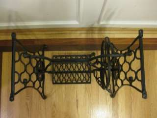 SINGER CAST IRON TREADLE SEWING MACHINE BASE EARLY 1900s