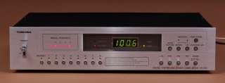 Toshiba ST 530 vintage Digital Synthesizer Tuner mit BDA