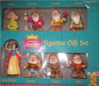 Disney Vintage Snow White Seven Dwarfs Boxed Figure Set