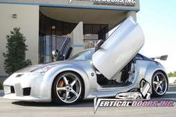 Nissan 2003   2008 350Z Vertical Lambo Doors Kit