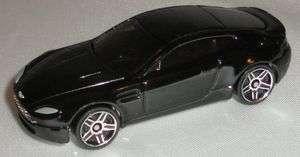 Hot Wheels diecast 2005 Aston Martin V8 Vantage Black Car
