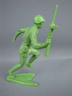 Vintage MARX ARMY SOLDIER #4 Plastic Toy Figurine