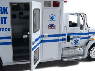 Park Rescue Truck Ambulance Diecast Car Model 1/34 by First Gear