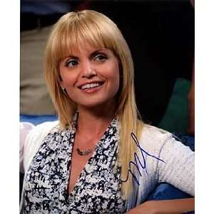 MENA SUVARI (American Reunion) 8x10 Female Celebrity Photo Signed In